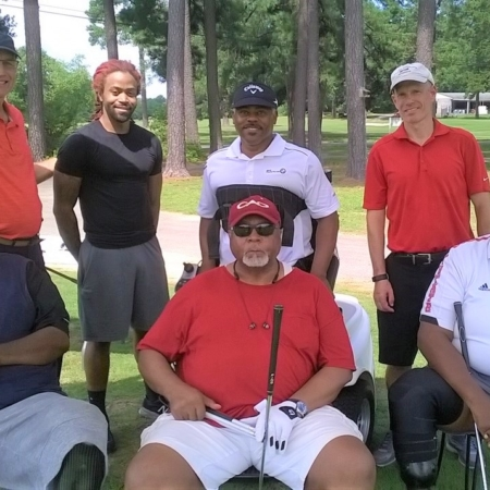 group picture of 2019 Bridge 2 Sports Adapted Golf Clinic